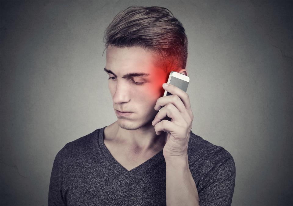 smartphone radiation affects memory